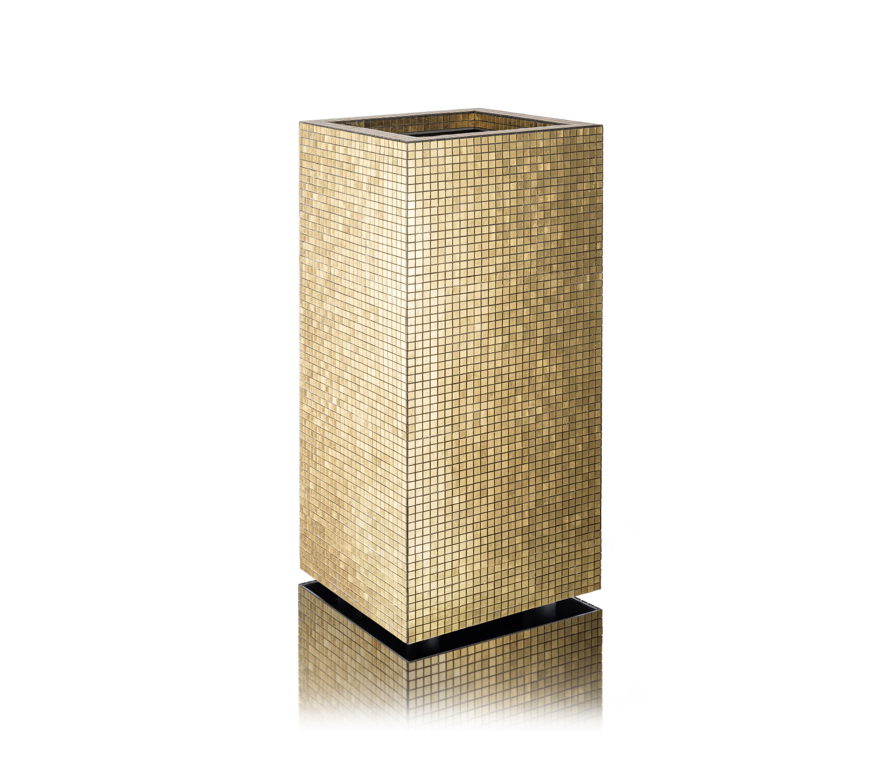 Janis fioriere metallico architonic for Foglio metallico