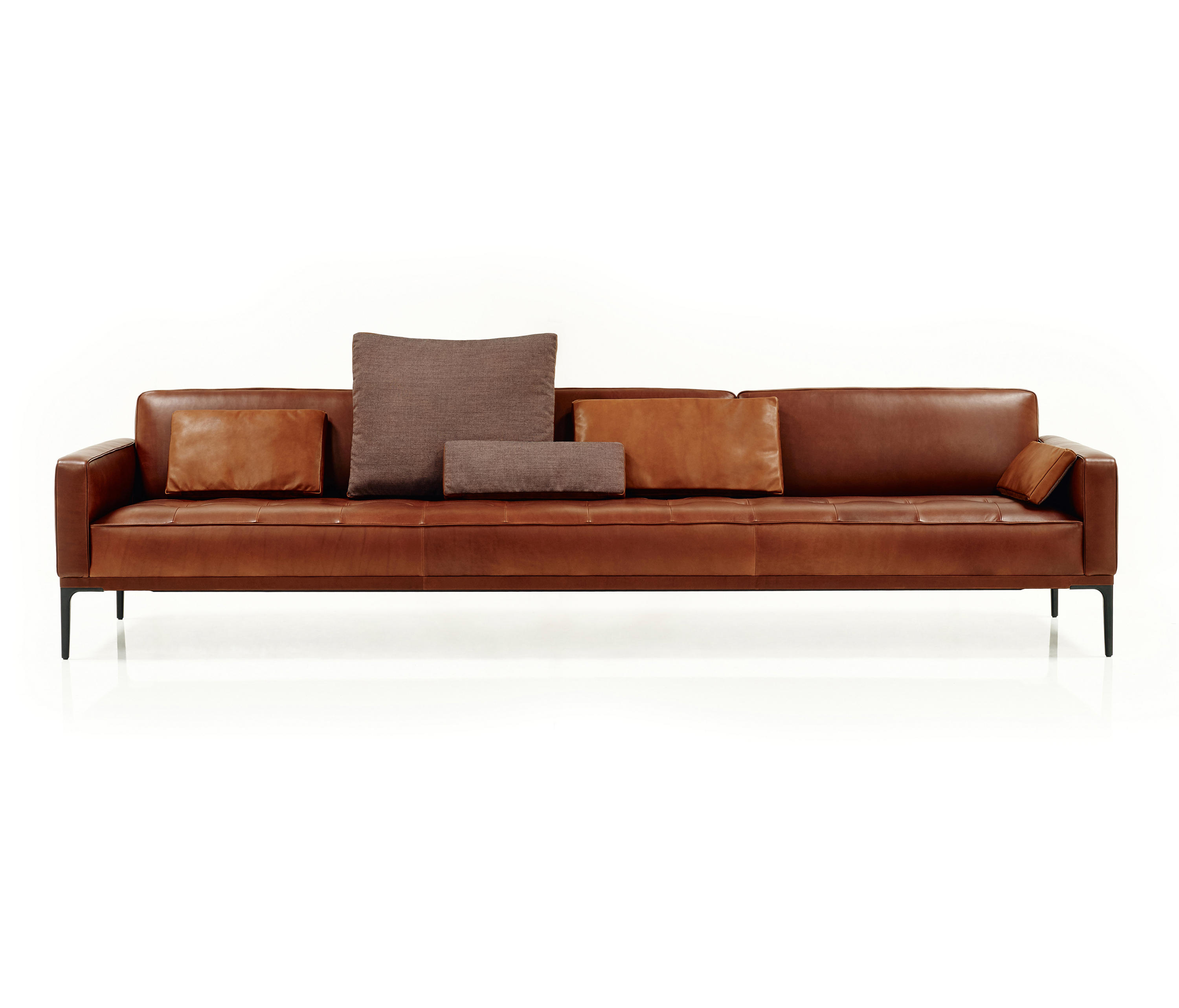 Joyce sofa lounge sofas from wittmann architonic for Sofa lounge
