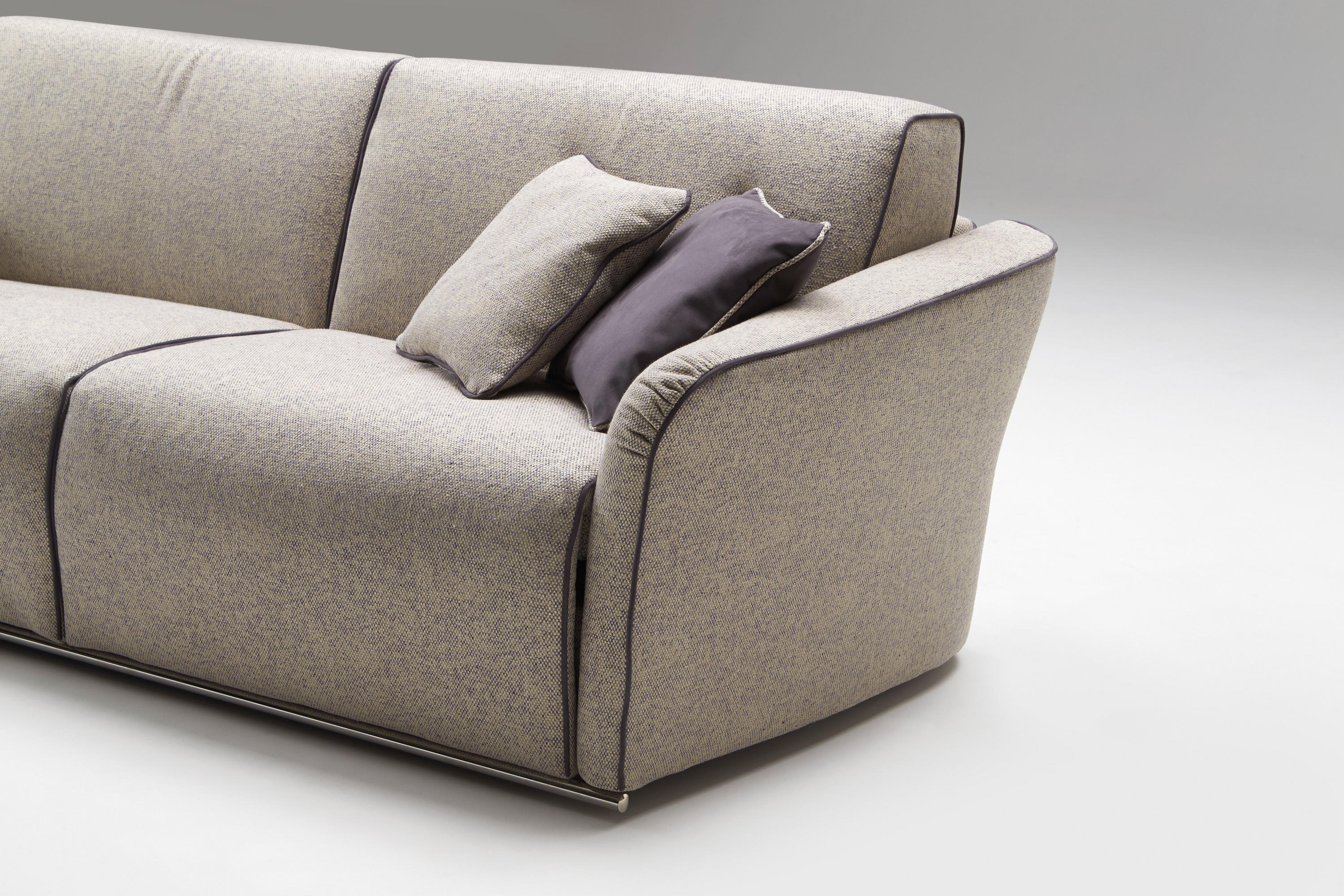 Groove sofa beds from milano bedding architonic for Milano bedding