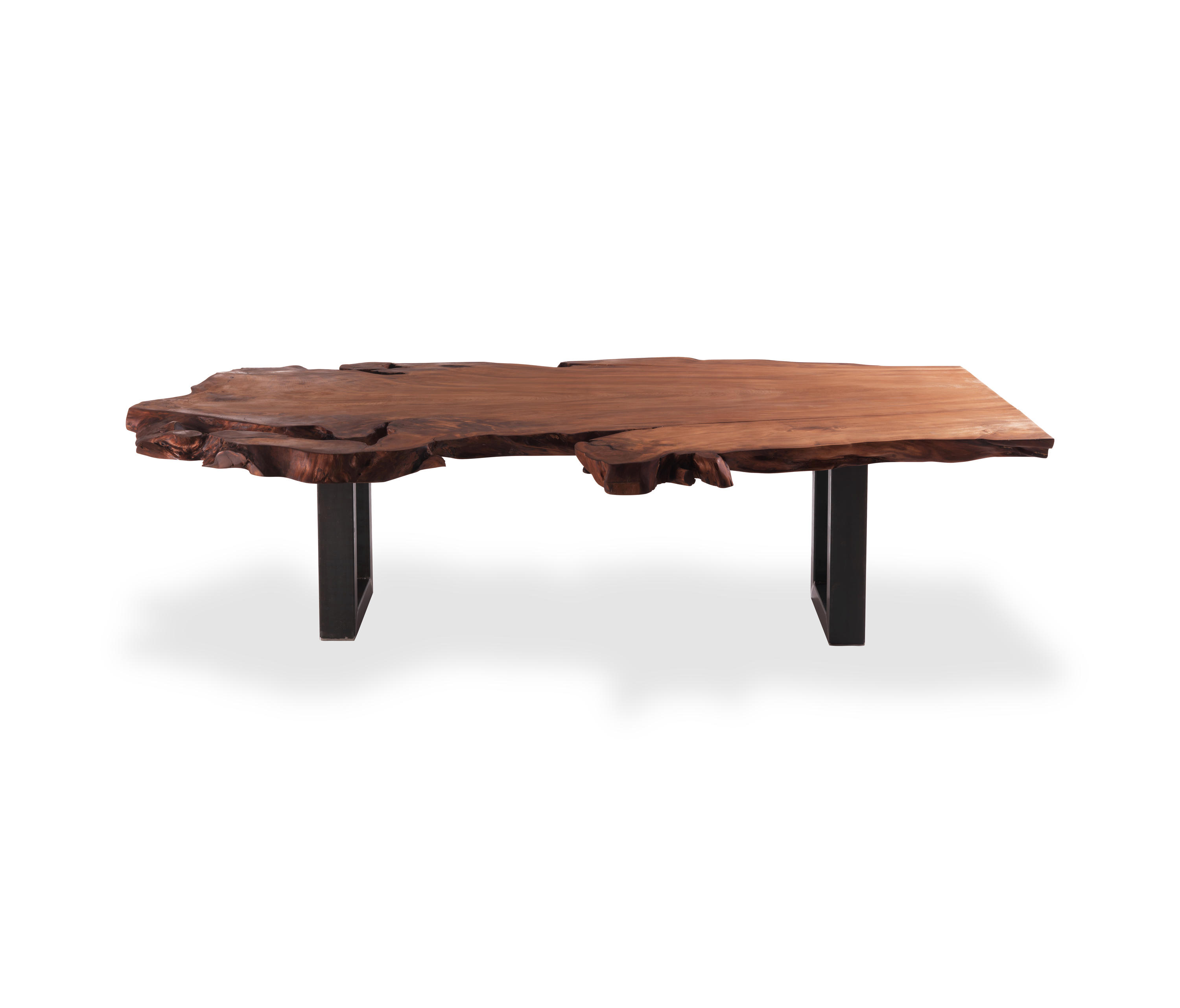 KAURI AUCKLAND Dining tables from Riva 1920