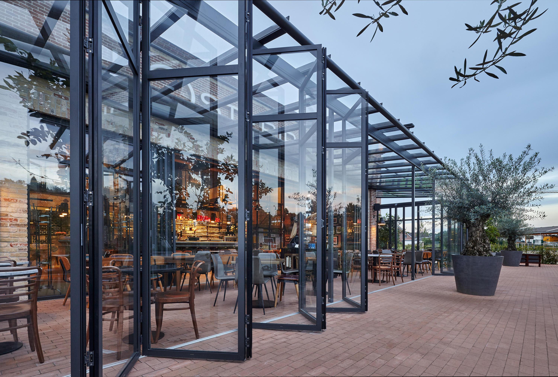 glas faltwand sl 70e fenstersysteme von solarlux. Black Bedroom Furniture Sets. Home Design Ideas