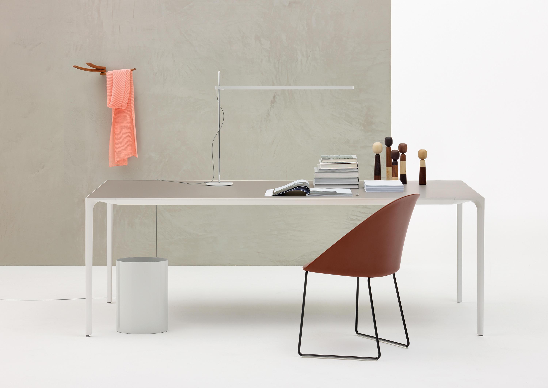 NUUR Meeting room tables from Arper