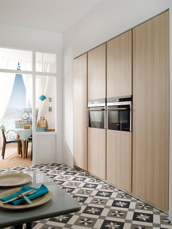 Line e plain handleless front cucine a parete santos architonic - Cucine a parete ...