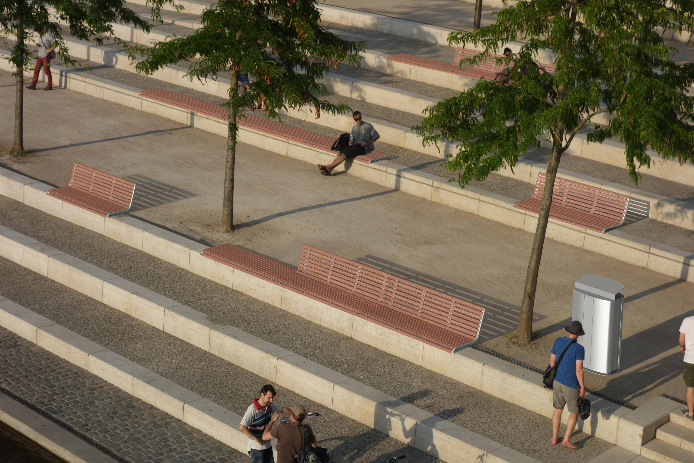 Portiqoa port banc sur muret bancs publics de mmcit for Espace public pdf