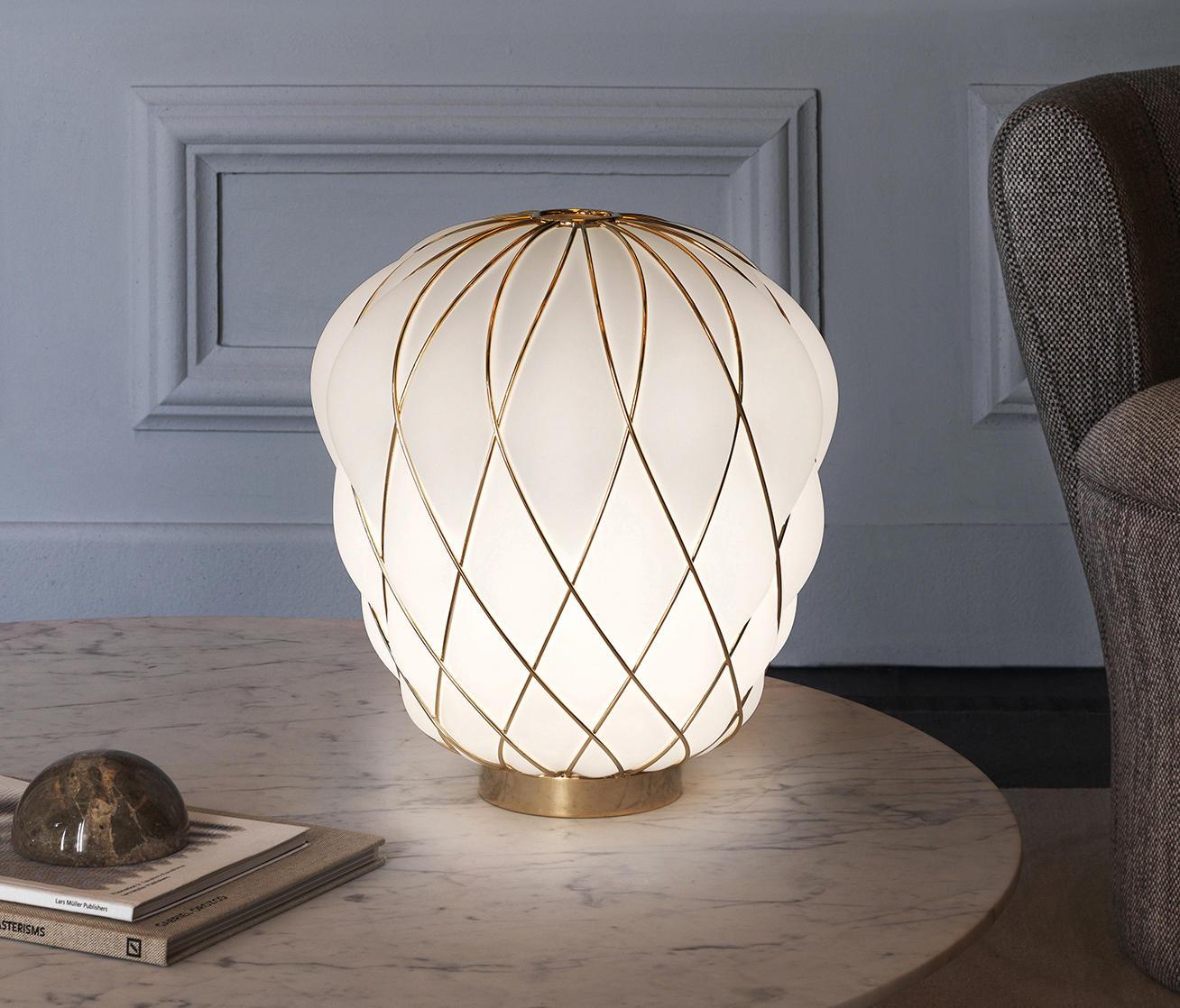 pinecone lampe de table clairage g n ral de fontanaarte. Black Bedroom Furniture Sets. Home Design Ideas