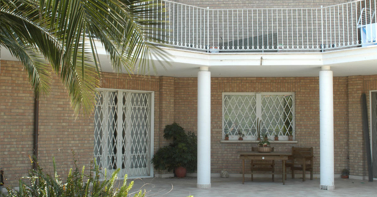 DIBIBLIND - EXTENDING GRILLE - French doors from Di.Bi. Porte ...