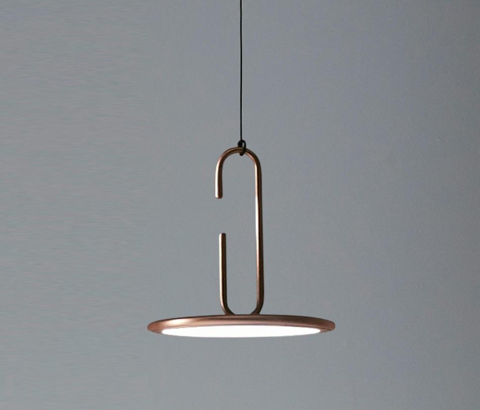 clip gro e h ngeleuchte allgemeinbeleuchtung von penta architonic. Black Bedroom Furniture Sets. Home Design Ideas