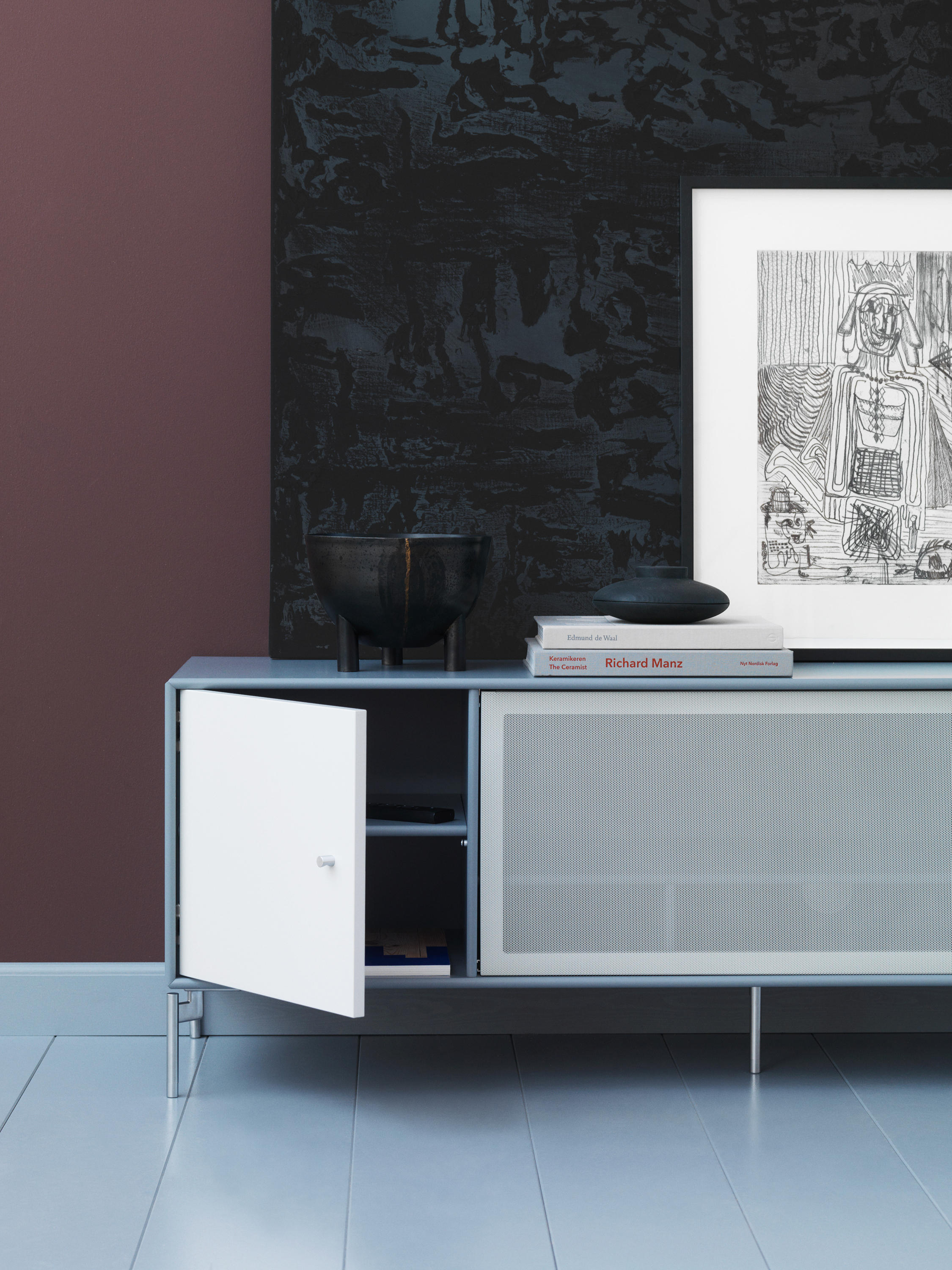 Tv Amp Sound Hi Fi Storage Solutions Example With Legs