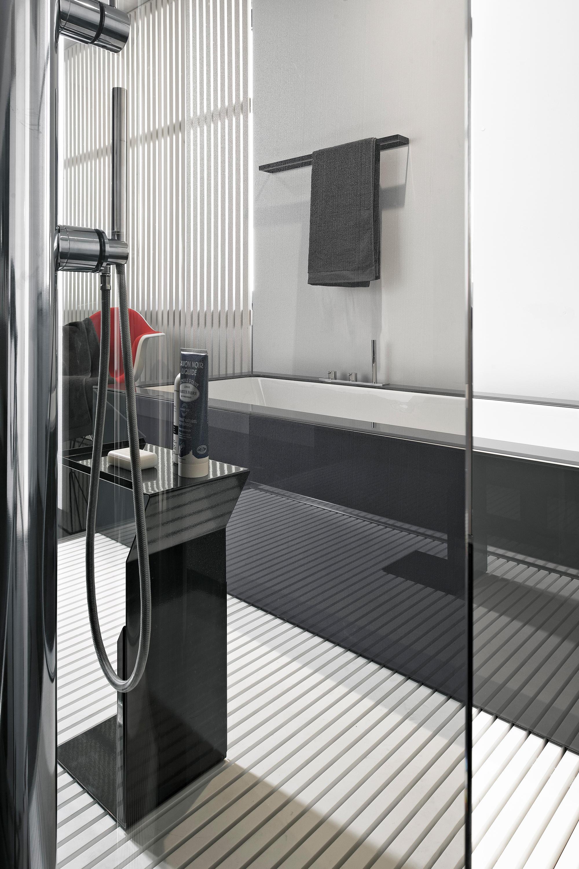 BATHTUB - SHOWER SYSTEMS - Bathtubs from MAKRO | Architonic
