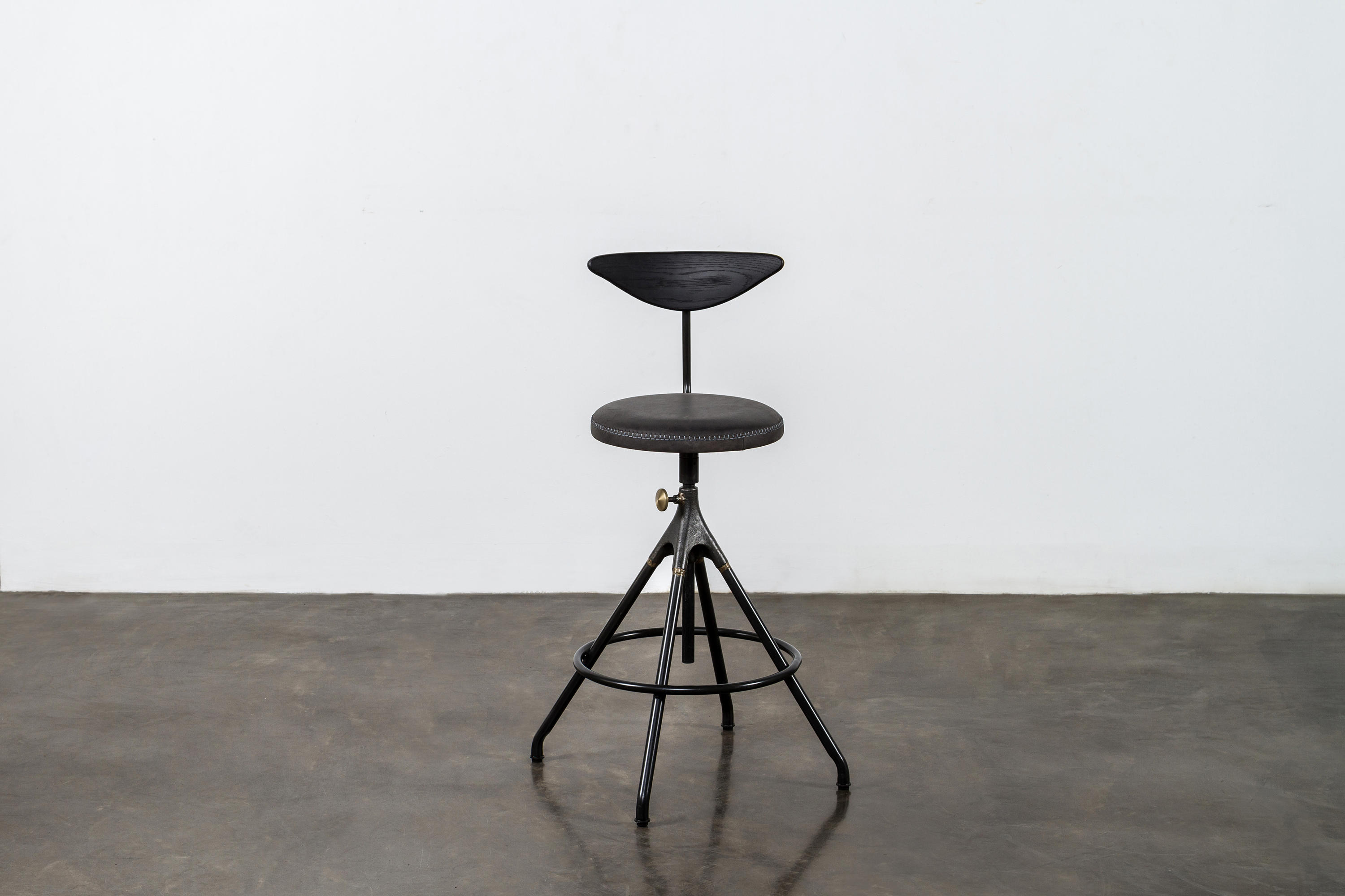 Akron Counter Stool With Backrest Bar Stools From