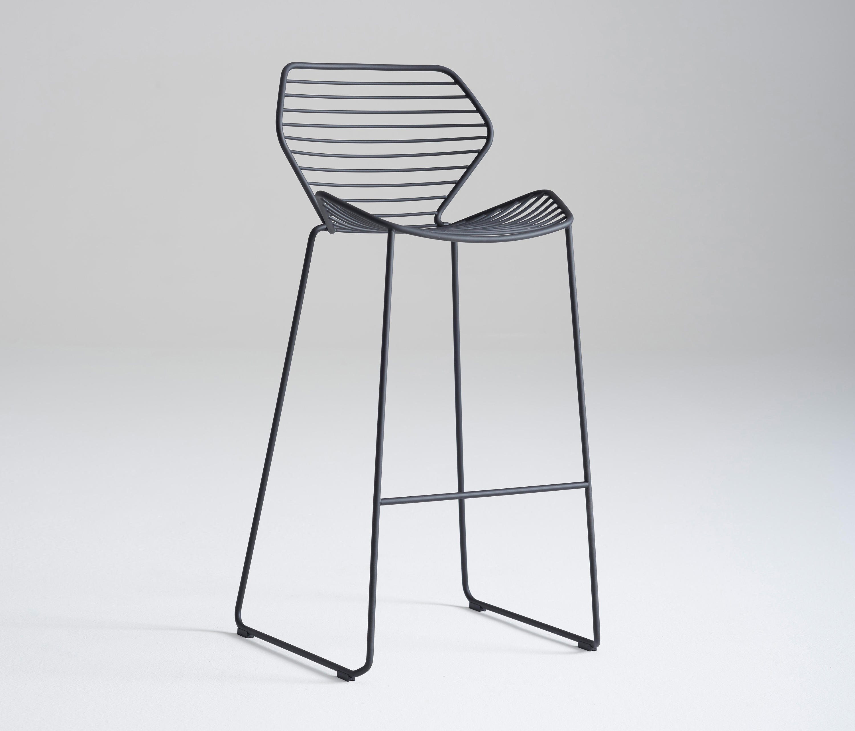Ginkgo Wire Barstool Bar Stools From Davis Furniture Architonic