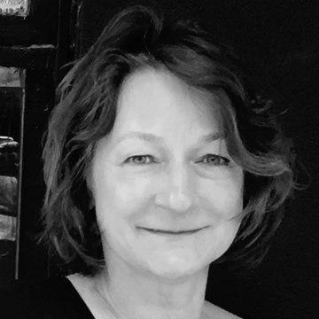 Caroline Roux | Giornalisti / PR