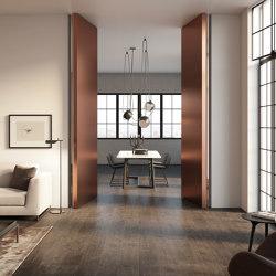 Brezza | Filo 10 Vertical Pivot Door