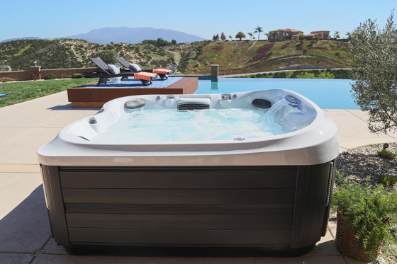 Spa J-435™ by Jacuzzi®