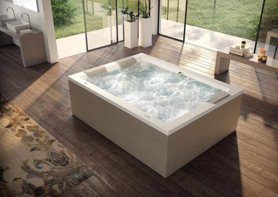 Sharp Double by Jacuzzi®