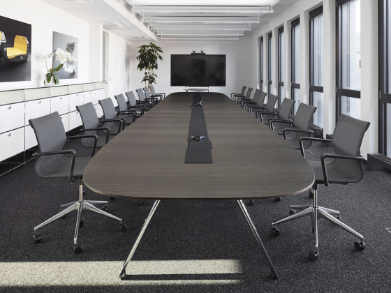 Convo conference table by RENZ