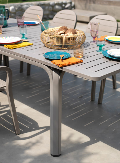 Alloro 210 Extensible by NARDI S.p.A.