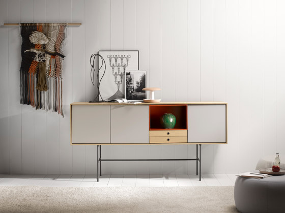 Aura TV Unit di TREKU