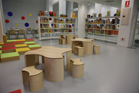 Puzzle by Lammhults Biblioteksdesign