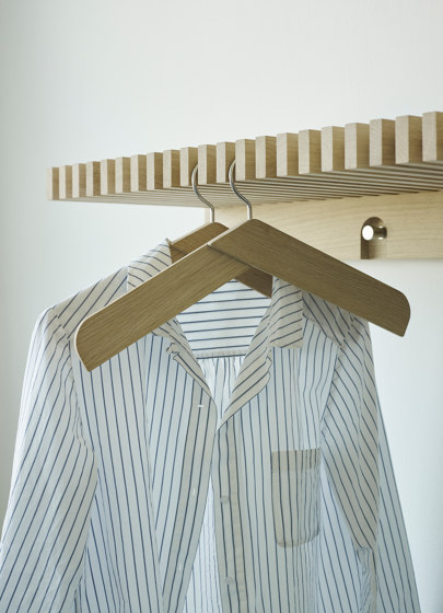 Collar Hanger by Skagerak