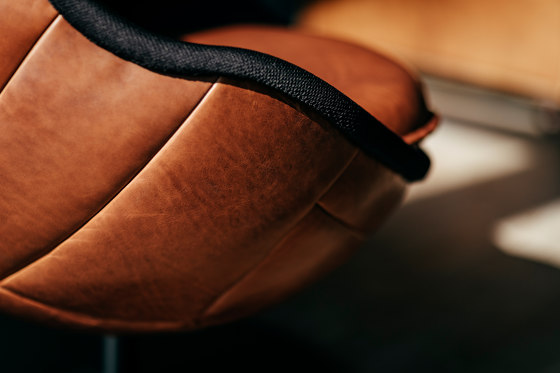 lillus wembley   bar stool by lento