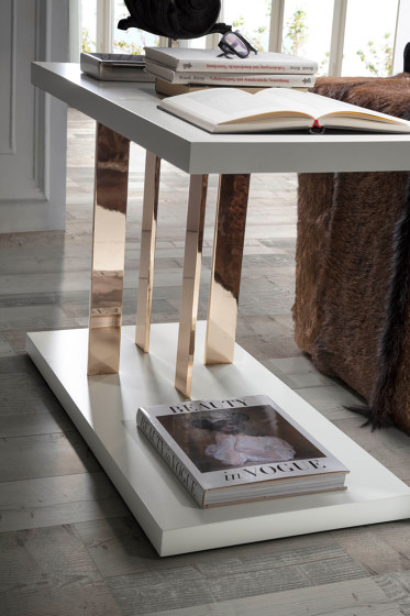 Millenium Side Table di Ascensión Latorre