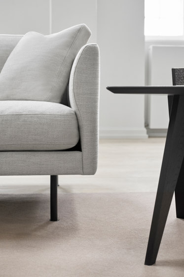 Risom Magazine Table by Fredericia Furniture