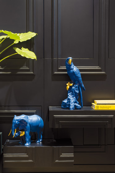 Bold Blue Collection | Macaw Bird Sculpture | Limited Edition by Lladró