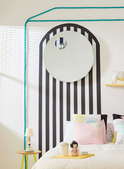 Mirrors | Oval Wall Mirror | Black | Limited Edition by Lladró