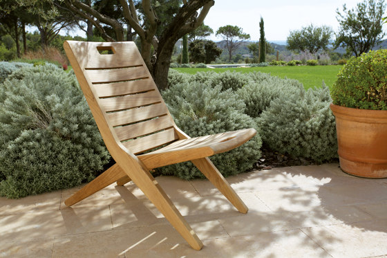 Exeter | Folding low chair by Tectona