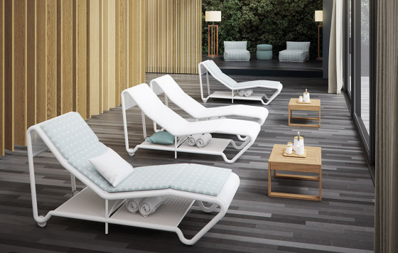 Wind Chaise Longue by Atmosphera