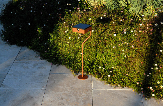 SOLAR pathway light | BTS 400 by LYX Luminaires