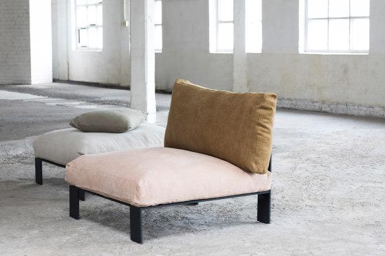 Interior Design by Bea Mombaers Big Leather Pouf Dark Grey di Serax