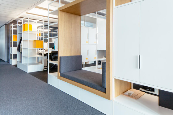 Modul H – Sitznische mit Rückwand 400 von Artis Space Systems GmbH