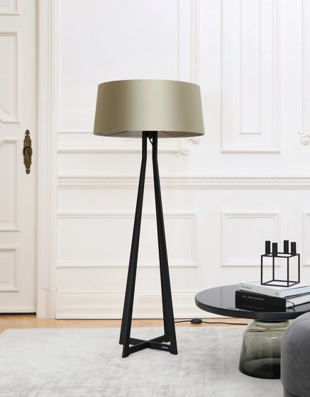 No. 47 Floor Lamp Velvet Collection - Notte - Brass by BALADA & CO.