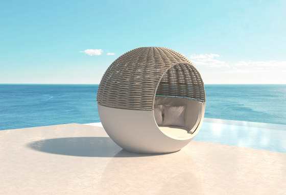 Moon Daybed by Vondom