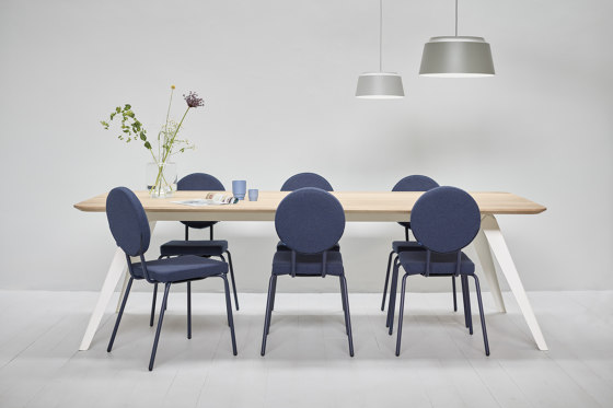 Option Chair Black Round Seat Round Back by PUIK