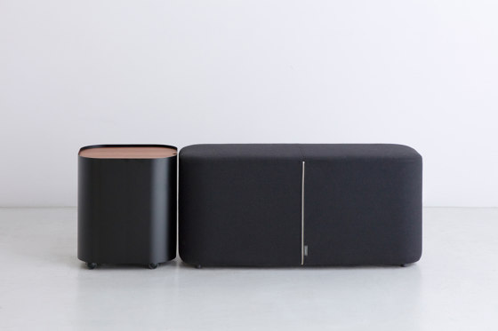 LOAF | Side Table de By interiors inc.