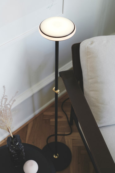 ØS1 Floor lamp by Shade
