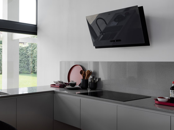 Maris Plus 2.0 Hood FMA 2.0 PLUS 907 BK Glass Black by Franke Kitchen Systems