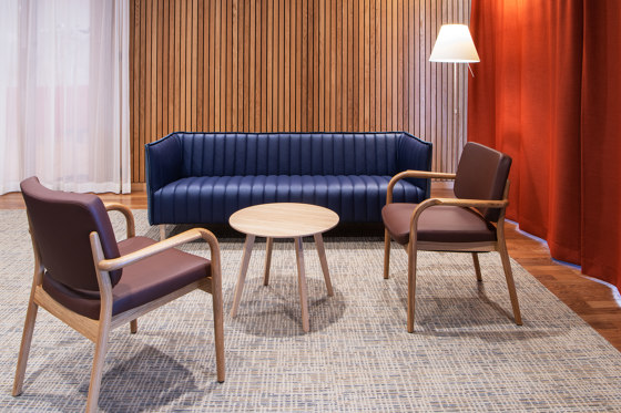 Viena Lounge Holzsessel by seledue