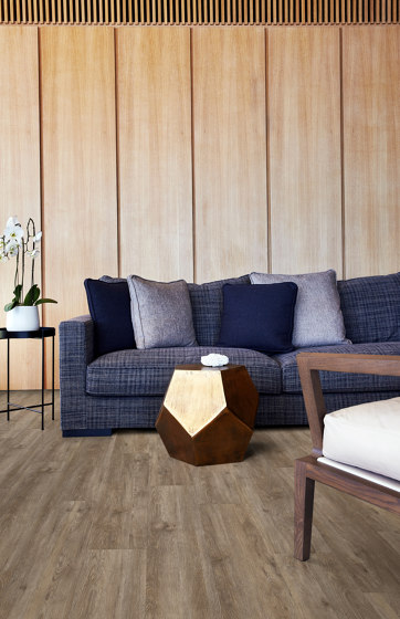 Rigid Click Wood Design Traditional | Redwood CLW 172 by Kährs