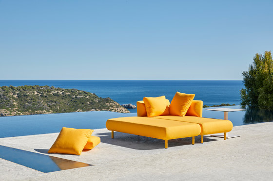 Cushion 43x43 by Musola
