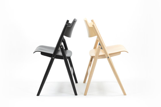 SE 18 Folding Chair by Wilde + Spieth