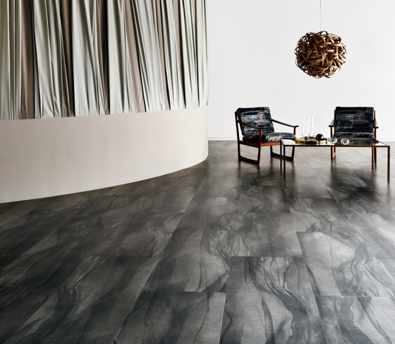 Signature Abstracts - 1,0 mm | Chroma Black by Amtico