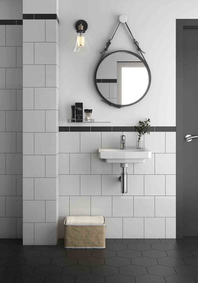 Miniworx 20x20 Miniworx RAL 0001500 Black Tile Glossy by VitrA Bathrooms