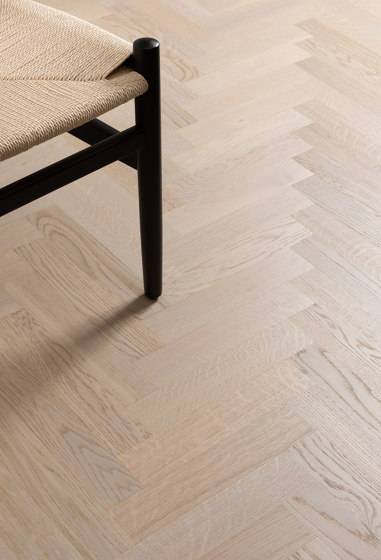 Herringbone Parquet Natural Oil | Visby, Oak by Bjelin