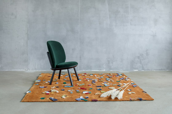 Chaos rug, blue by EMKO