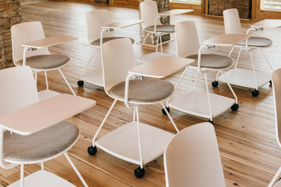 Tray chair by ENEA