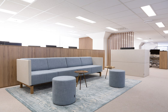 Clark | 4-seater B2B Straight panel by Conceptual
